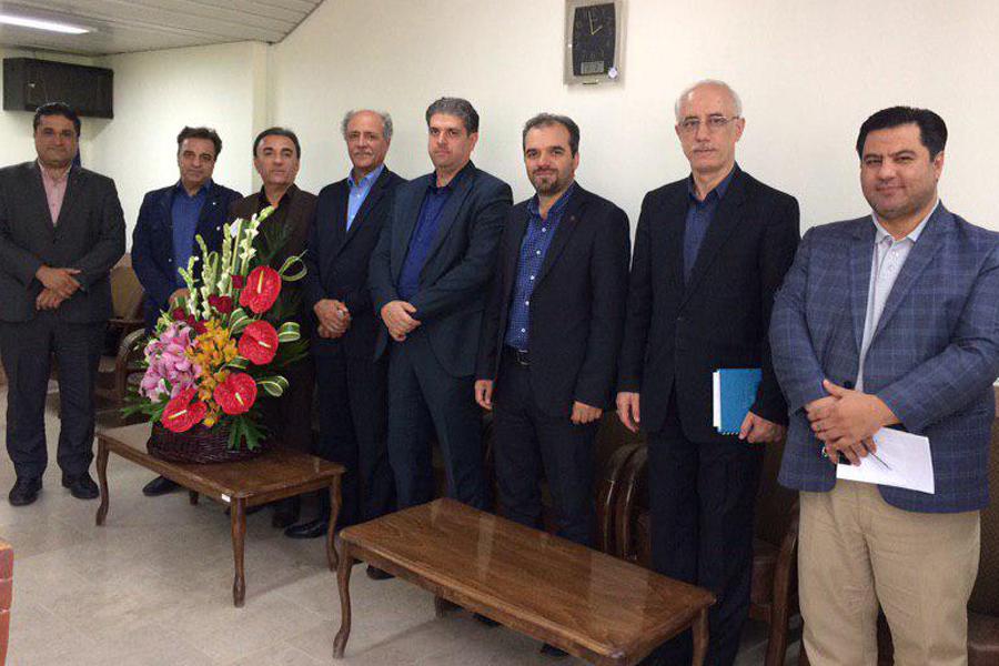 بازدید مدیراستانی بانک ایران زمین از بیمارستان فوق تخصصی شهریار تبریز