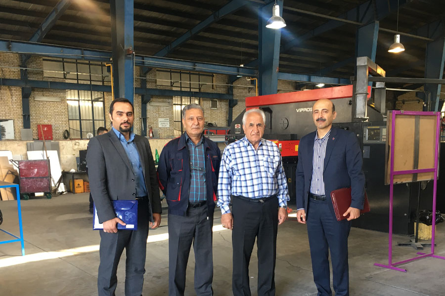 بازدید مدیراستانی بانک ایران زمین از شرکت پایا سیستم
